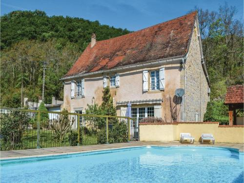 Four-Bedroom Holiday Home in Catus : Hebergement proche de Saint-Denis-Catus