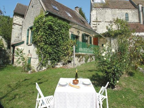 Holiday Home Orgeval Grande Rue : Hebergement proche de Saint-Thomas