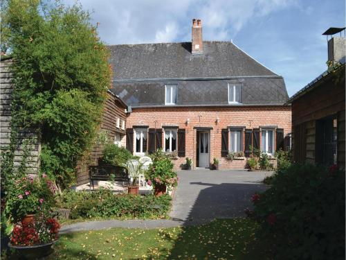 Five-Bedroom Holiday Home in Iviers : Hebergement proche de Morgny-en-Thiérache