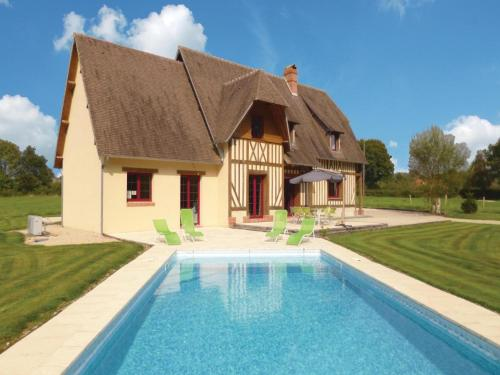 Holiday home La Croupte J-839 : Hebergement proche de Familly