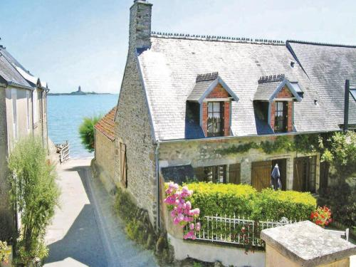 Holiday home Le Rivage II : Hebergement proche de Crasville