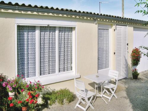 Holiday home Sainte Marie : Hebergement proche de Morsalines