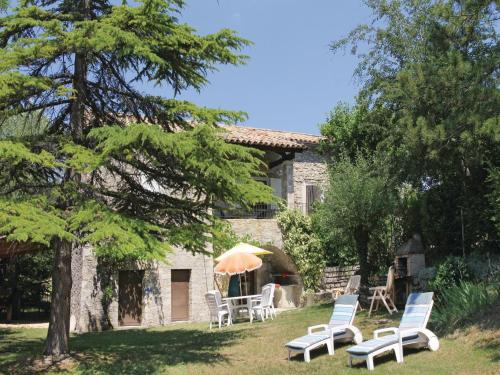 Holiday Home Montguers with a Fireplace 08 : Hebergement proche de Chauvac-Laux-Montaux