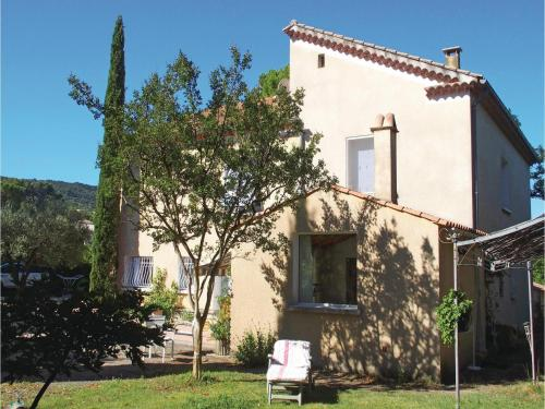 One-Bedroom Holiday Home in St. Roman de Malgarde : Hebergement proche de Saint-Roman-de-Malegarde
