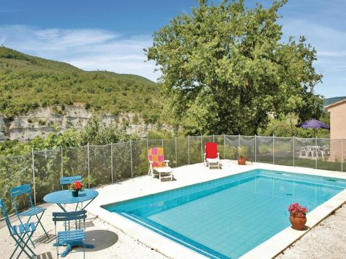 Three-Bedroom Holiday Home in Saint Thome : Hebergement proche de Valvignères