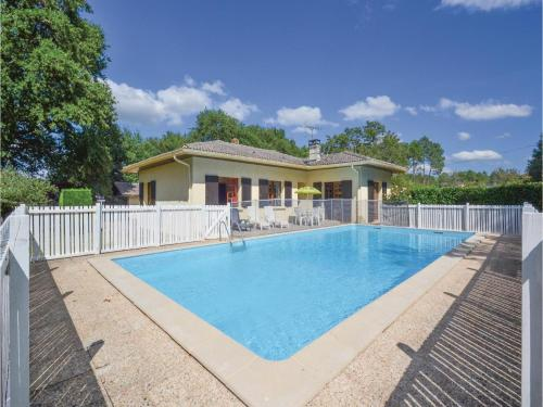 Holiday home A. Pouchiou : Hebergement proche d'Arengosse