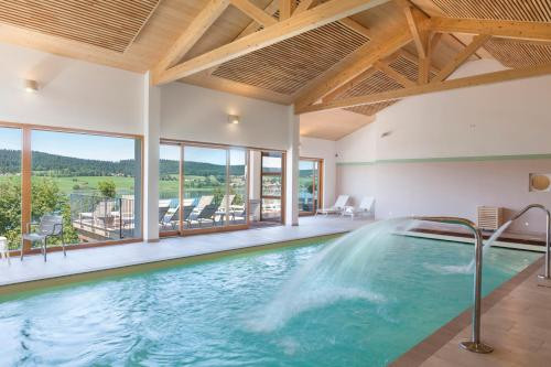 Hotel Spa Les Rives Sauvages : Hotel proche de Remoray-Boujeons