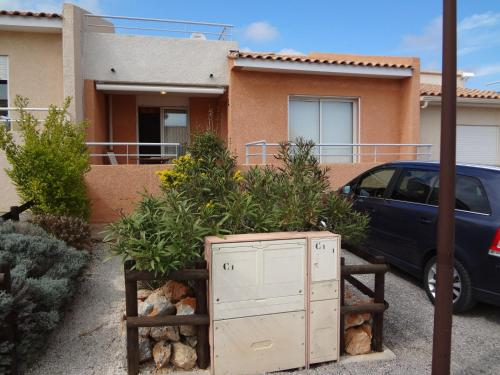 Sunrise Villa : Appartement proche de Caves