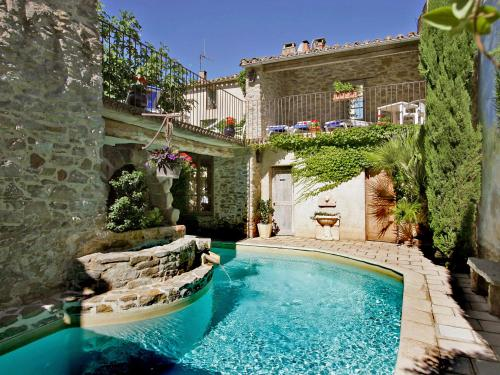 Holiday Home Casa Toscane : Hebergement proche d'Oupia