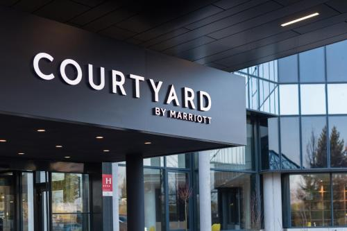 Courtyard by Marriott Paris Roissy Charles de Gaulle Airport : Hotel proche de Mitry-Mory