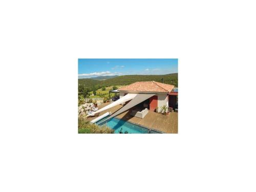 Three-Bedroom Holiday Home in Argelliers : Hebergement proche d'Argelliers