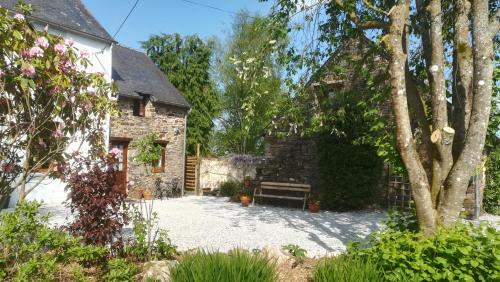 Country Cottages Brittany : Hebergement proche de Glomel