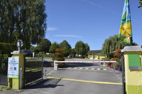 Camping Montmorency : Hebergement proche d'Ainvelle