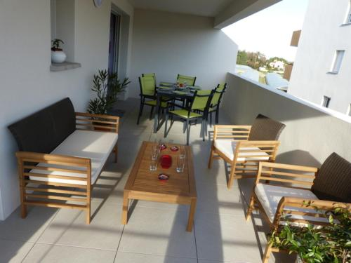 Two-Bedroom Apartment Residence Odysee - ODY23 : Appartement proche de Saint-Cyprien