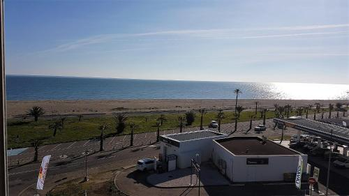Two-Bedroom Apartment Sea View - FL74 : Appartement proche de Saint-Cyprien
