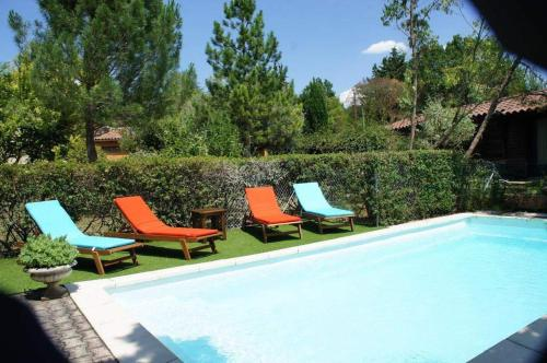 Holiday rental with pool near Uzes - Gard - South France : Hebergement proche d'Aubussargues