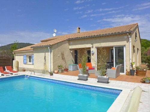 Bungalow for 8, with pool : Hebergement proche de Montouliers