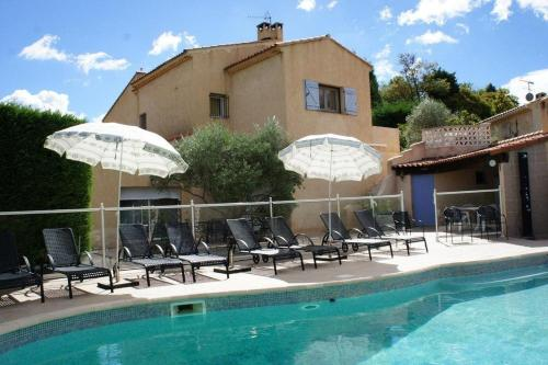 Holiday cottage with pool between Marseille and Aix en Provence : Hebergement proche de Saint-Savournin