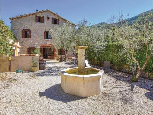 Five-Bedroom Holiday Home in Benivay Ollon : Hebergement proche de Beauvoisin