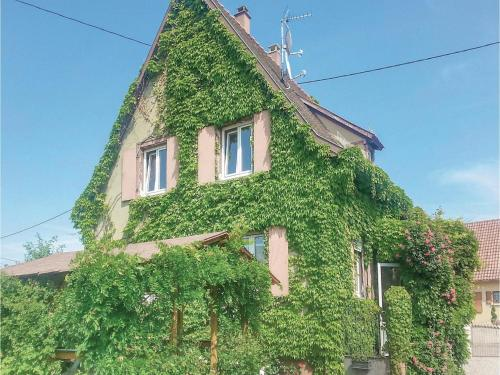 Four-Bedroom Holiday Home in Ebersheim : Hebergement proche d'Ebersmunster