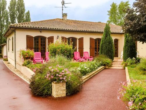 Holiday home Maison Pineuilh : Hebergement proche de Saint-Philippe-du-Seignal