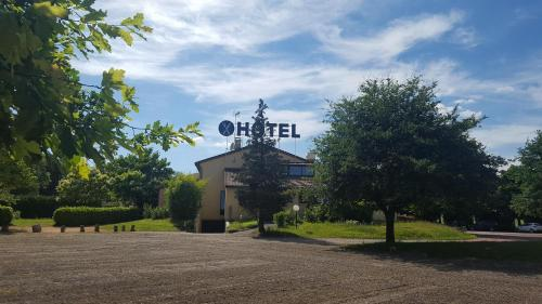 Le Mont Brouilly : Hotel proche d'Odenas
