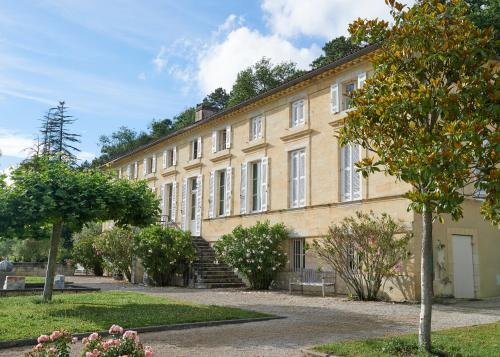 Chateau Champcenetz : Chambres d'hotes/B&B proche d'Isle-Saint-Georges