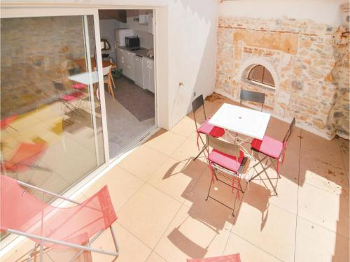 Two-Bedroom Holiday Home in Caveirac : Hebergement proche de Caveirac