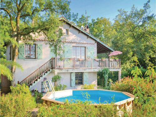Two-Bedroom Holiday Home in Saujac : Hebergement proche de La Capelle-Balaguier