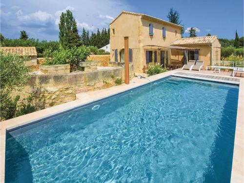 Four-Bedroom Holiday Home in Saint Hilaire D'Ozilha : Hebergement proche d'Estézargues