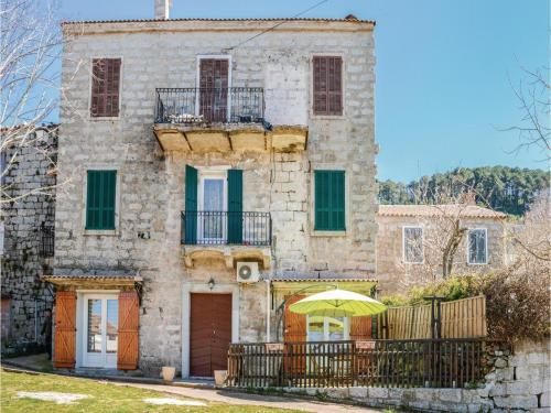 One-Bedroom Apartment in Zonza : Appartement proche de Sorbollano