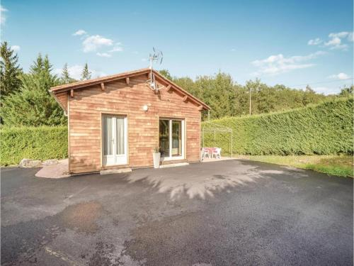 Two-Bedroom Holiday Home in Savignac-Les-Eglises : Hebergement proche de Mayac