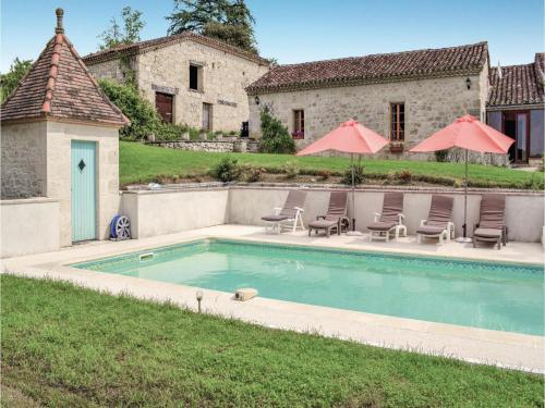 Holiday Home Chateau Labatut : Hebergement proche de Lafox