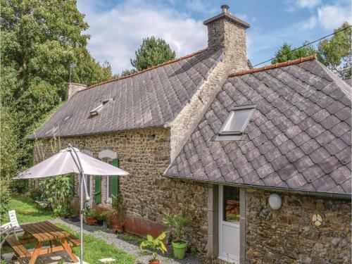 One-Bedroom Holiday Home in Tremeven : Hebergement proche de Lannebert