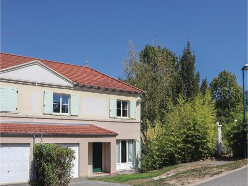 Four-Bedroom Holiday Home in Pontcharra : Hebergement proche de Le Touvet