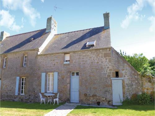 Holiday home Rue des Follieres I-807 : Hebergement proche de Carneville