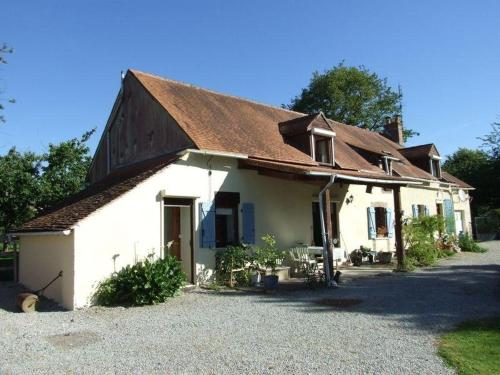 A rural home with large swimming pool - MAISON DES LIS (House of Lilies) : Hebergement proche de Cromac