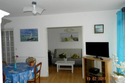 Apartment Avenue Pierre Corneille : Appartement proche de Saint-Aubin-d'Arquenay