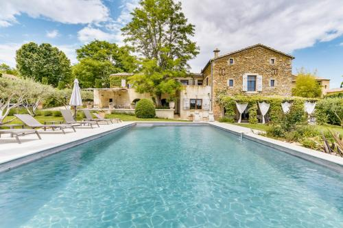Cavillargues Villa Sleeps 12 Pool WiFi : Hebergement proche de Cavillargues