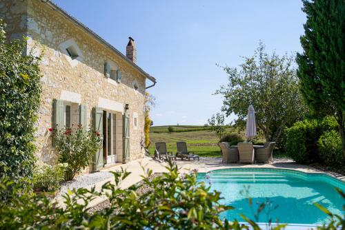 Saint-Julien-d'Eymet Villa Sleeps 16 Pool WiFi : Hebergement proche de Flaugeac