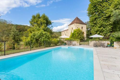 Saint-Denis-Catus Villa Sleeps 12 Pool WiFi : Hebergement proche de Nuzéjouls