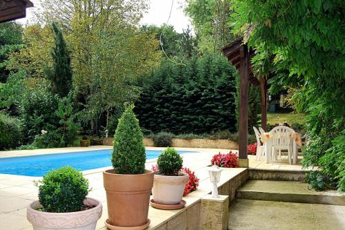 Thenon Villa Sleeps 10 Pool : Hebergement proche de Thenon