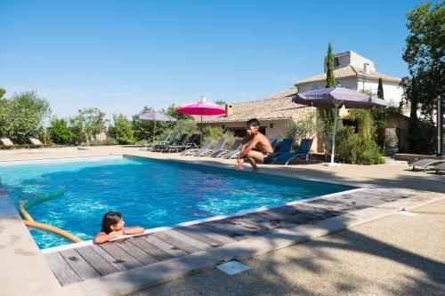 Villedubert Villa Sleeps 18 Pool Air Con WiFi : Hebergement proche de Villedubert