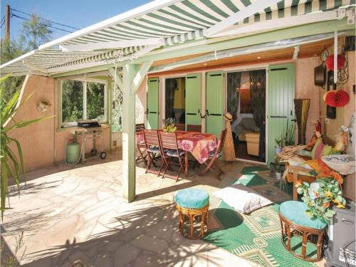 Two-Bedroom Holiday Home in Ste Anastasie : Hebergement proche de Sainte-Anastasie-sur-Issole