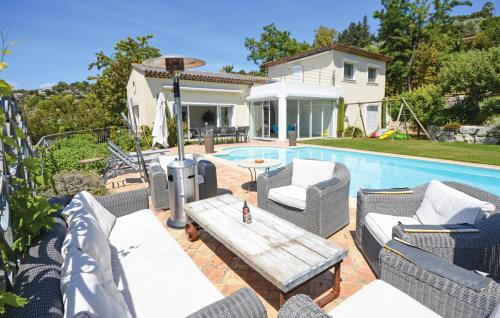Biot Villa Sleeps 8 Pool Air Con WiFi : Hebergement proche de Biot