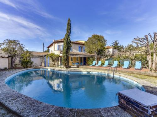 Sainte-Maxime Villa Sleeps 6 Pool Air Con WiFi : Hebergement proche de Sainte-Maxime