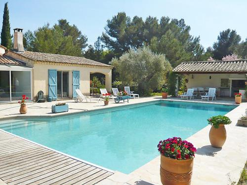 Le Beausset Villa Sleeps 8 Pool Air Con WiFi : Hebergement proche de Le Beausset