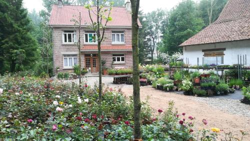 Val des Roses : Chambres d'hotes/B&B proche d'Offin