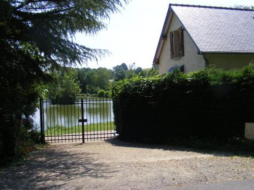 Lake House France : Appartement proche de Thoiré-sur-Dinan