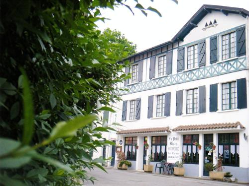 Hotel Au Petit Béarn : Hotel proche d'Andrein